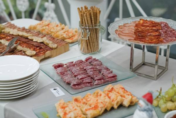catering-monebre-menu-street