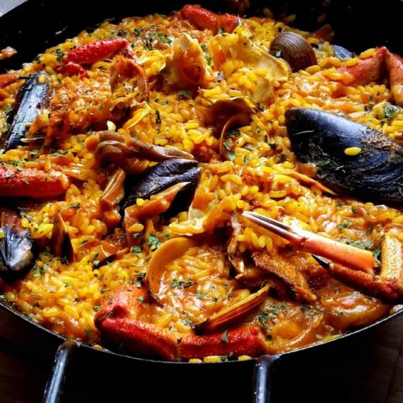 catering-monebre-paella-marisco
