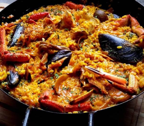 catering-monebre-paella-marisco