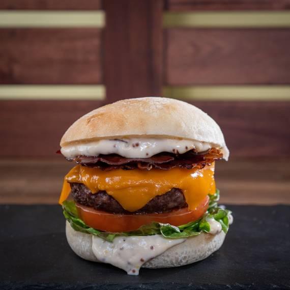 catering-monebre-hamburguesa-entrañable